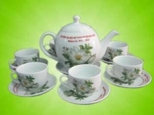 Ấm chén hoa hoa trà in logo