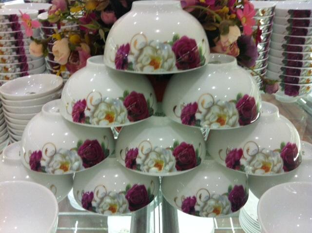 Bộ đồ ăn vẽ hoa hồng