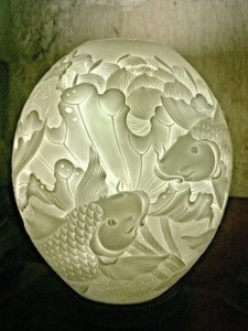 Đèn gốm cá chép hoa sen tròn
