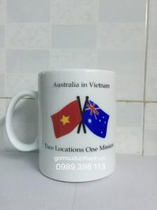 Cốc in hình lá cờ Việt Nam và Australia