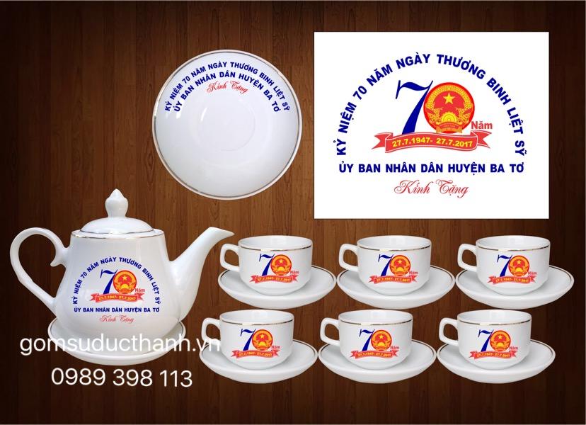 Bộ ấm chén Bát Tràng in logo kỉ niệm ngày thương binh liệt sỹ