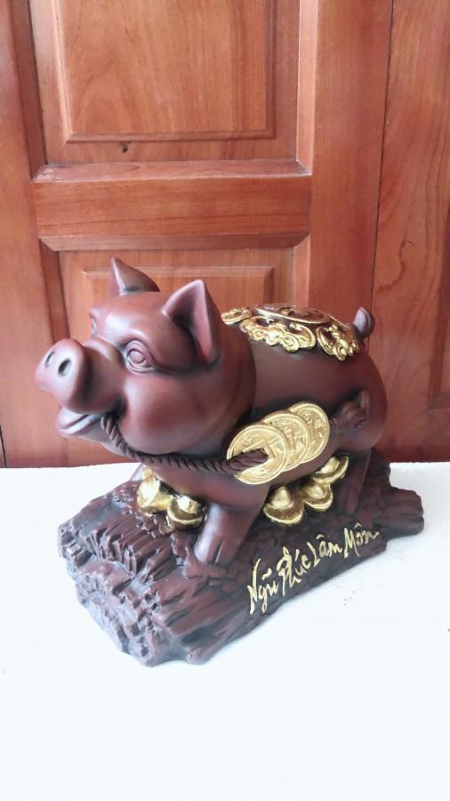Heo phong thuỷ, lợn gốm trưng bày