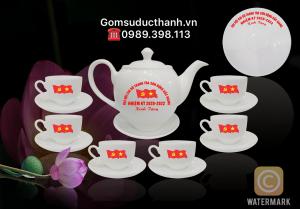 Bộ ấm trà đại hội đảng bộ