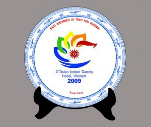 Đĩa sứ in logo, in chữ quà tặng