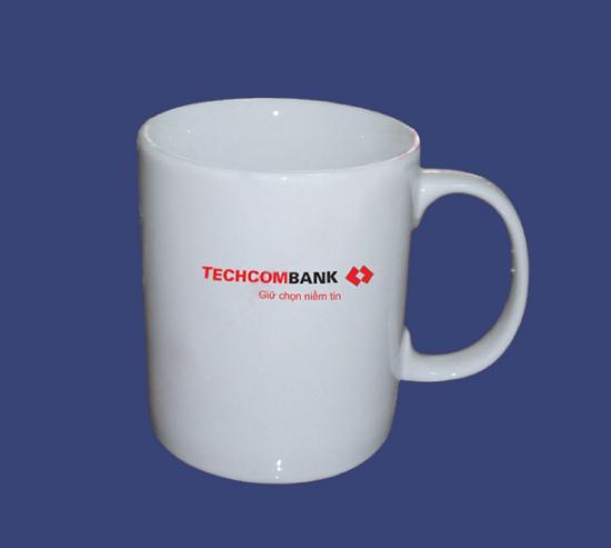 Cốc sứ in logo Techcombank