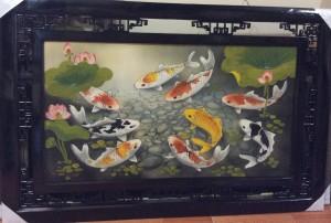 Tranh sứ vẽ cá và hồ sen