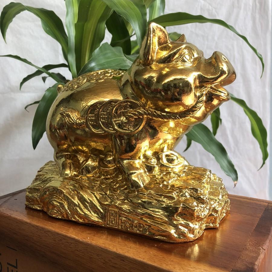 Linh vật kỉ hợi- lợn dát vàng