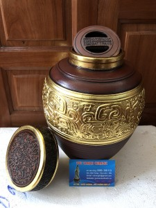 Bình gốm, bình rượu trưng bày