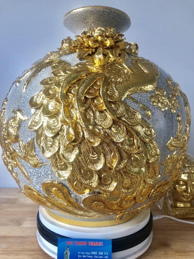 Kích thước bình cao 40cm rộng 38 cm, cảnh chim công hoa đào phù dung dát vàng
